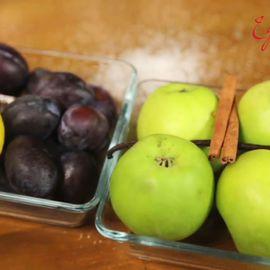 Готовим компот из слив и яблок