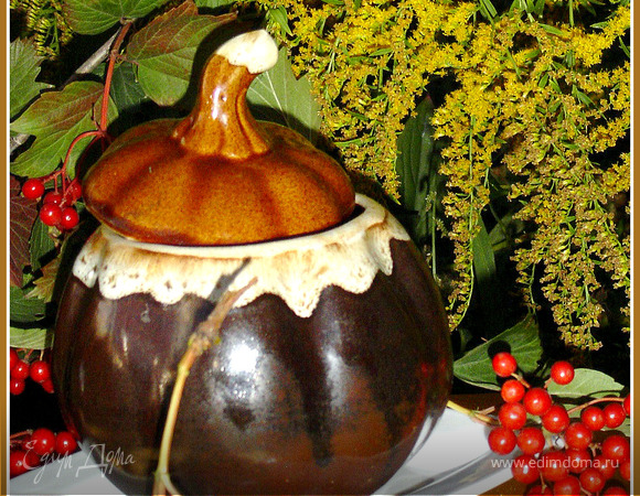 Тефтели с сюрпризом, запеченные с баклажанами и грибами