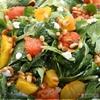 Салат с козьим сыром, жареными цитрусами и орешками