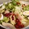 Салат со свеклой, сельдью и цикорием