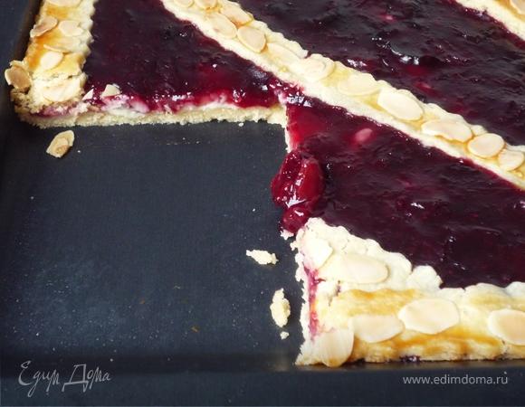 Вишневый пирог на противне