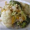 Брокколи с овощами и кедровыми орешками