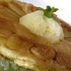 Теплый яблочный пирог с корицей и фруктовым сорбетом