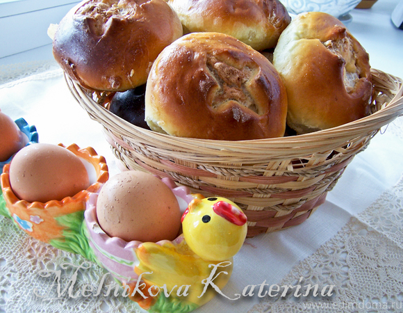 Ореховые пасхальные булочки