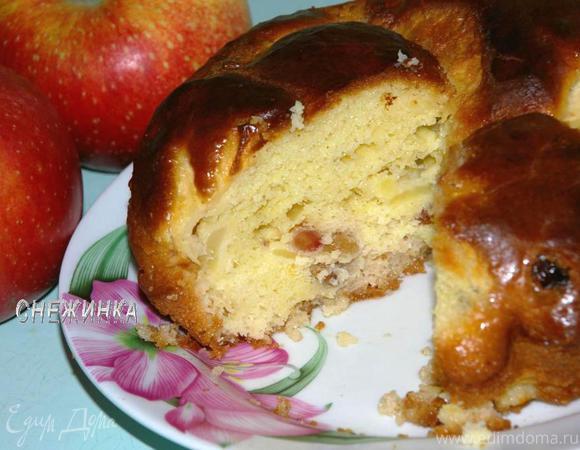"""Баба"" с яблоками"