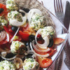Салат из огуречно-брынзовых шариков и помидоров