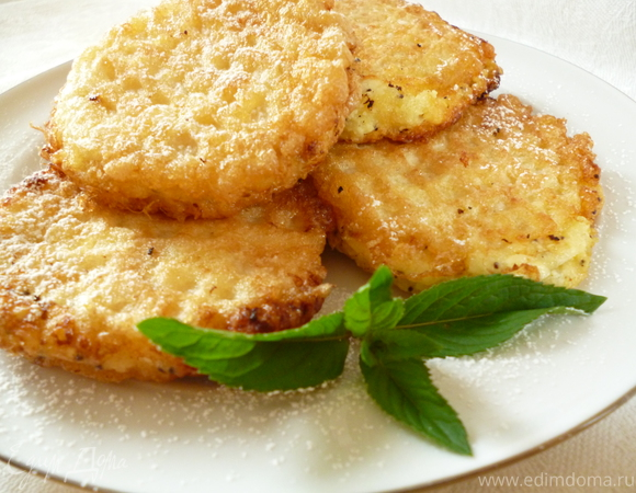 Вафельные сырники с абрикосами