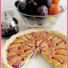 Тарт со сливами и марципановой заливкой