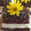 Шоколадное пирожное с творожно-персиковым муссом