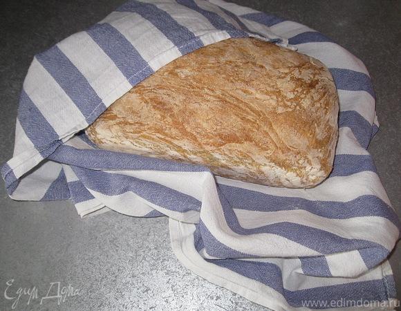 Белый хлеб пышный