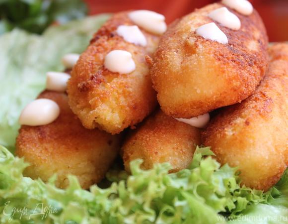 Картофельные колбаски с творогом и манкой