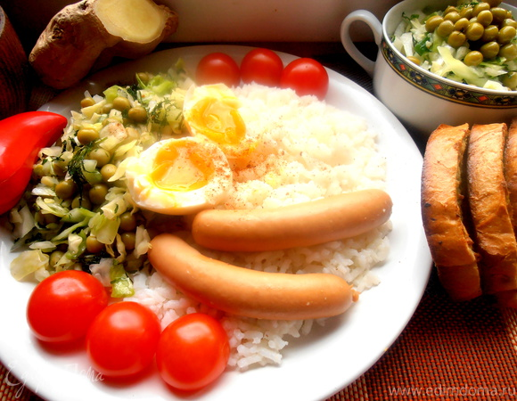 Свежий салатик из капусты с горошком и имбирем