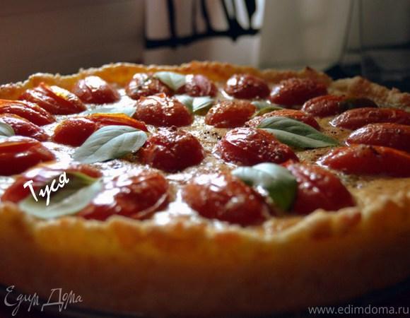 Пирог с карамелизированным чесноком и помидорами черри