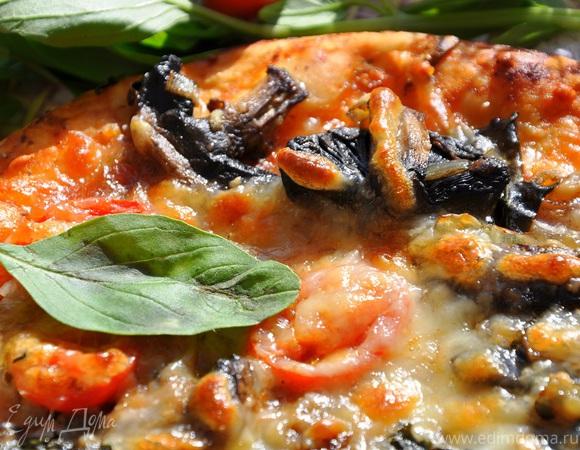 Пицца с грибами и базиликом