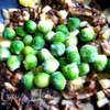 Гречневые хлопья с тыквой, грибами и колбасками