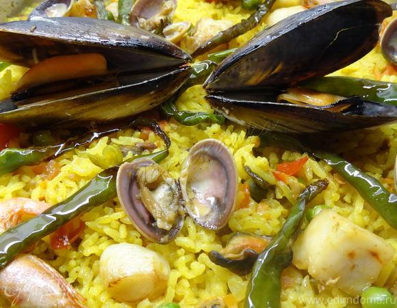 Испанская паэлья с морепродуктами (Paella de marisco)