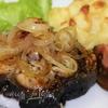 Акула под грилем с картофельно-сырным пюре и сладким луком