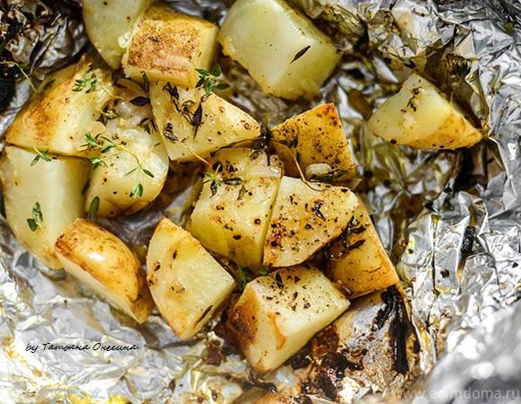 Картофель с тимьяном на углях