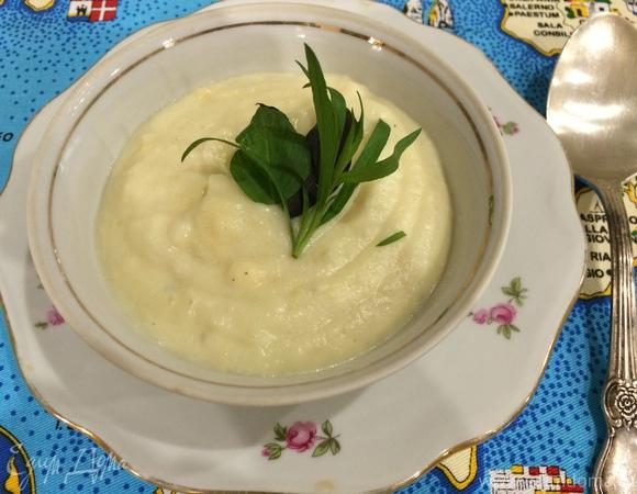 Крем-суп из цветной капусты с голубым сыром