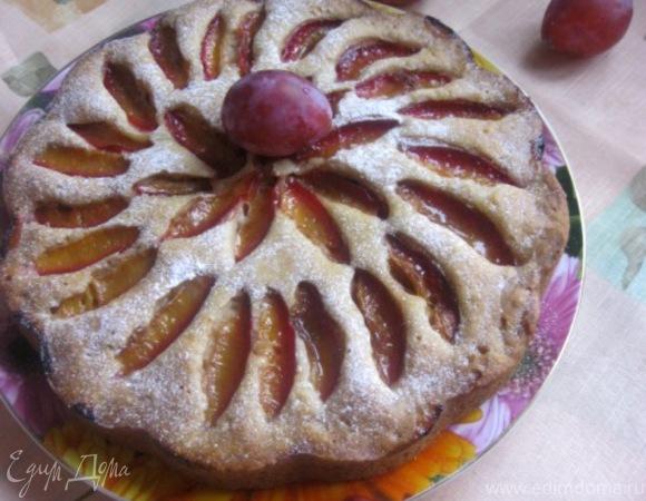 Пряный сливовый пирог на пиве