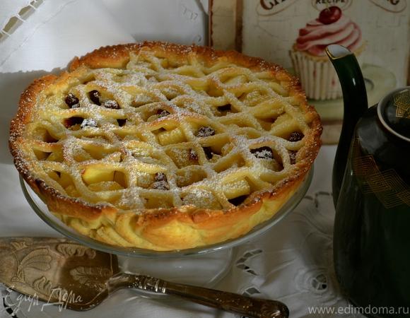 """Яблочный пирог с """"изюминкой"""""""