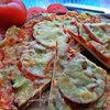 Пицца с курицей и ананасом
