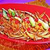 Чечевица с пикантным луком и авокадо