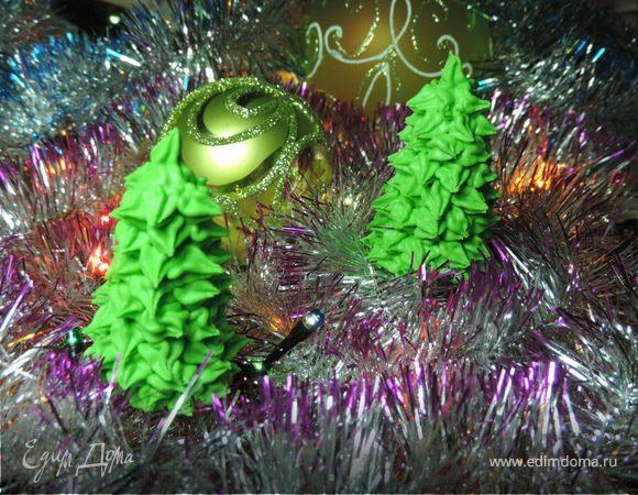 Новогодние елочки из айсинга