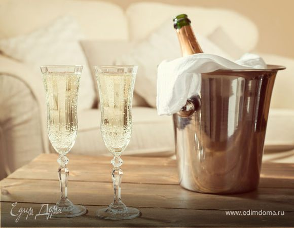 Шампанское: искристый праздник в бокале, история напитка и его виды