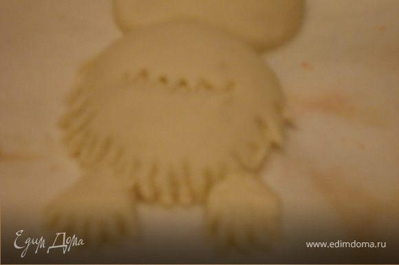 Как перышки будут готовы,приступаем к лепке лапок с оперением(следуйте пошаговым фото).