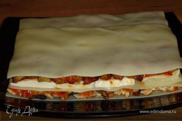 которые смазываем соусом из помидоров, накрываем листами для лазаньи, а их смазываем оливковым маслом (чтобы не подсыхали).