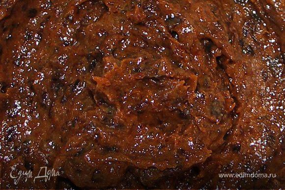 Чернослив предварительно замочить в сливках на часик.Измельчить блендером в пюре и добавить 50г сахарной пудры.