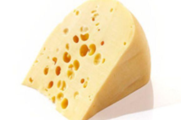 Трем сыр на среднюю терочку.
