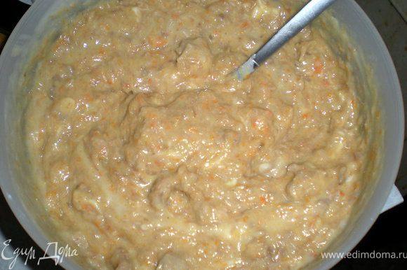 Взбитый белок добавить к брокколи и к картошке.Так же поступить с тертым сыром.Немного картофельного пюре добавить к мясу.