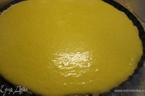 Выложить начинку на тесто. Выпекать 25-30 минут. При температуре 180 градусов. После выпечки оставить остывать в приоткрытой духовке.