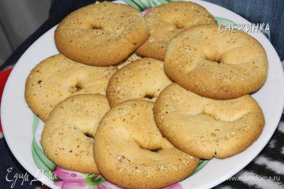 Готовое печенье остужаем. Приятного аппетита!