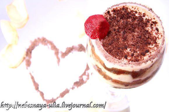 Сверху посыпаем какао или тертым шоколадом. Убираем десерт в холодильник на ночь. С утра достаем из холодильника, берем ложечку и получаем неземное удовольствие! :)