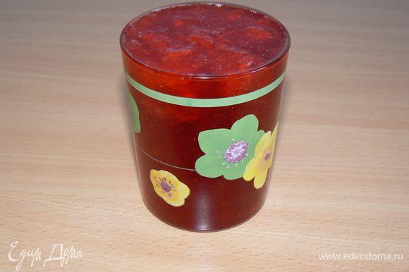 добавить протертую ягоду