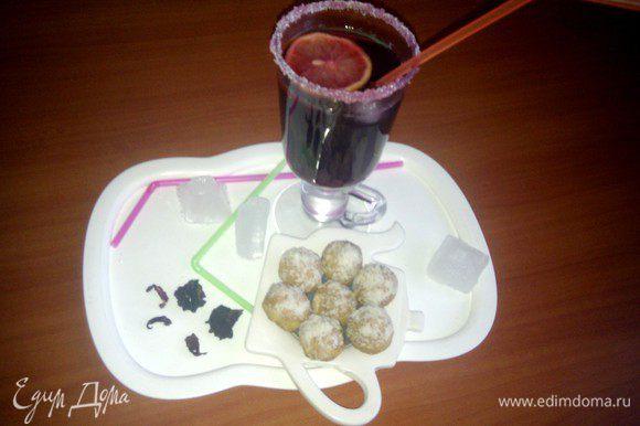 """К лимонаду можно предложить печенье""""Одуванчик"""",которое я испекла вчера по рецепту Риммы!(http://www.edimdoma.ru/retsepty/41156-pechenie-oduvanchik)Очень вкусное и рассыпчатое!"""