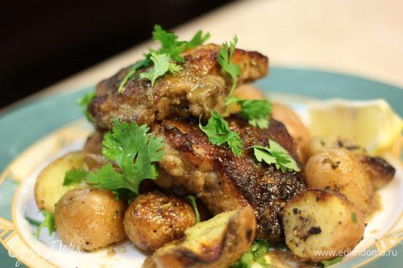 Важно! Если у вас не будет розмарина - замечательно подойдут семена фенхеля. Если вы хотите пропитать картофель чем-либо, делайте это пока картофель горячий. В этом случае вы получите лучший результат.