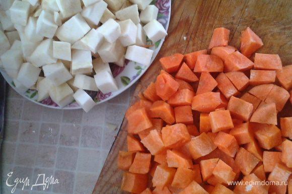 Морков и сельдерей - на кубики