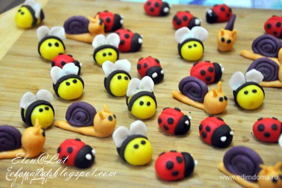 А здесь http://www.edimdoma.ru/posts/3256?notid=143775#887268, если кому интересно МК по насекомым, сладким насекомым)) Заходите, милости прошу)))