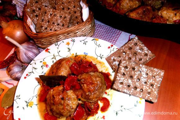 Даже можно подать вместо хлеба к горячему блюду (http://www.edimdoma.ru/retsepty/48911-nazad-v-sssr-myasnye-shariki-s-risom-ezhiki)