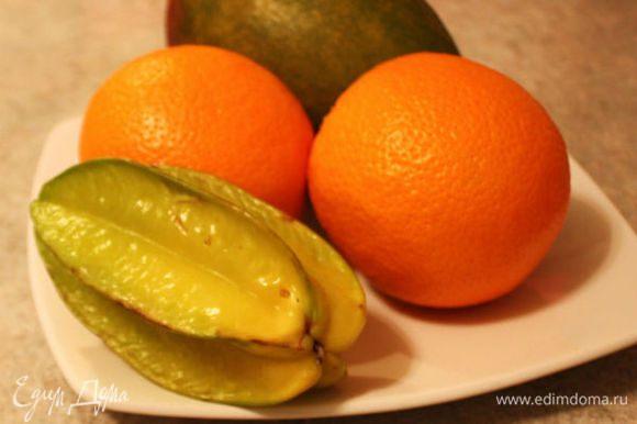 Начните с мытья фруктов теплой водой.