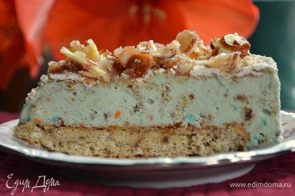 Если торт останется,то лучше его хранить в морозильнике. Приятного аппетита и наслаждения.