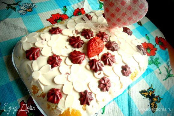 Вот так выглядит весь тортик, который можно приготовить на 8 марта!
