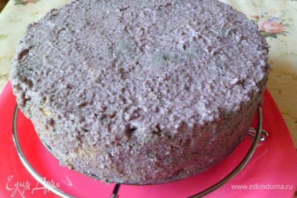 Освобождаем торт от формы