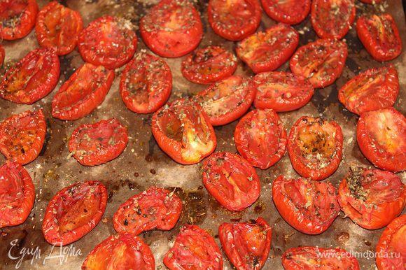 Все зависит от уровня вашей духовки и от помидоров. У меня на вяление ушло 4 часа. Главное не допустить подгорания помидоров.