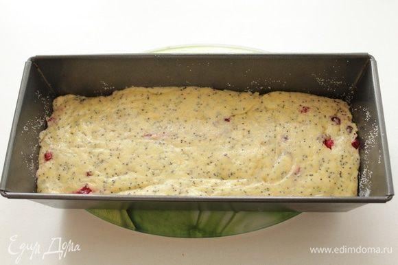 Выложить в форму. Выпекать в духовке при температуре 190-200 градусов до готовности