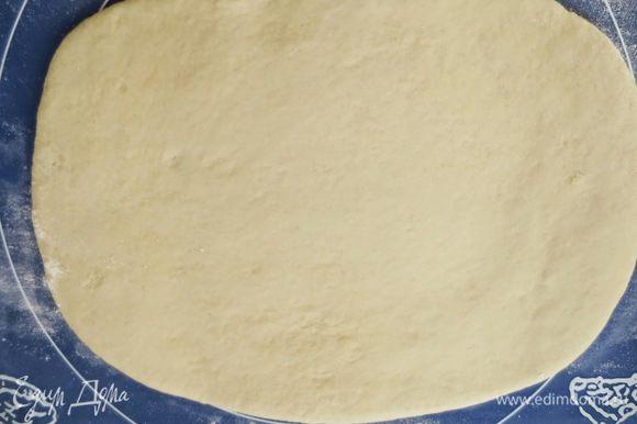 Тесто раскатать в прямоугольник 40 на 30 см